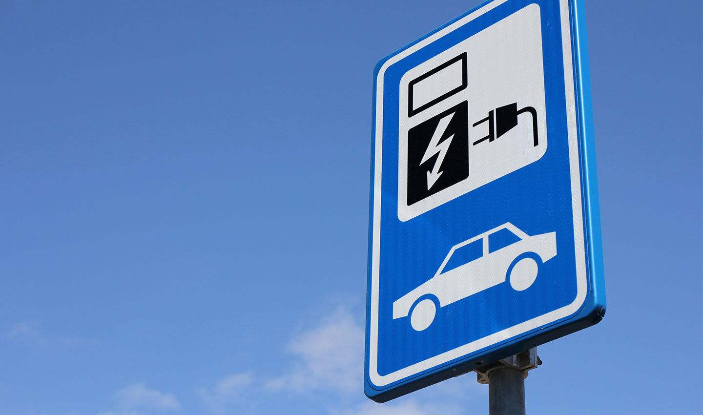 parking sign for electric vehicles