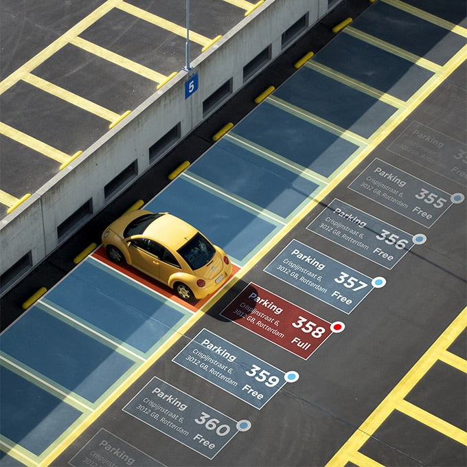 TomTom On-Street and Off-Street Parking